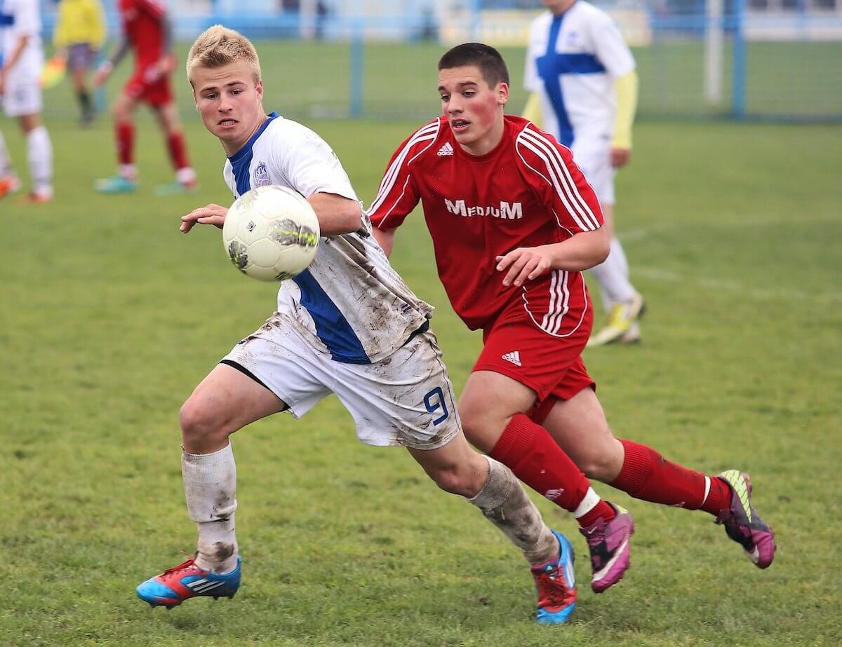 stroje piłkarskie dziecięce