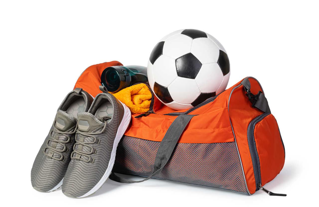 akcesoria piłkarskie - torba, buty, frotka, bidon, piłka